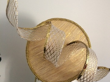For Rent: Stunning gold percher