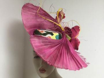 For Sale: Dramatic Pink upbrim